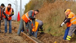SNCF-agent-way-reparation_4958891